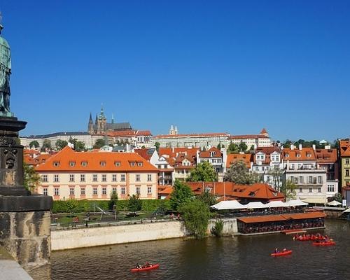 MSM Akademi Prag Kısa Süreli İngilizce Kursları